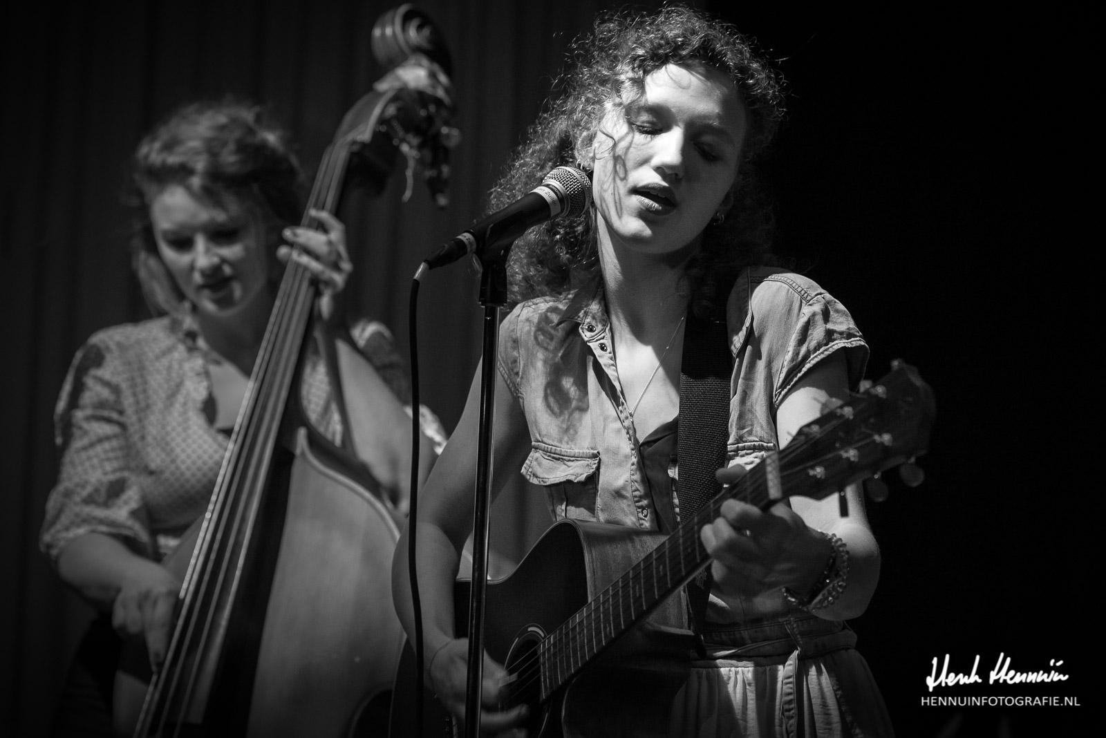 Cousin Hatfield Concertfoto zang Anne Verhart